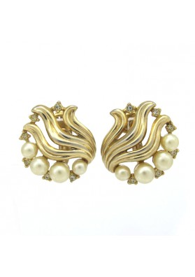 Vintage earrings with pearls TRIFARI