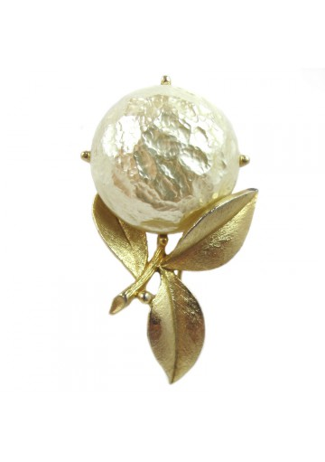 Vintage brooch PEARL BLOOM SARAH COVENTRY
