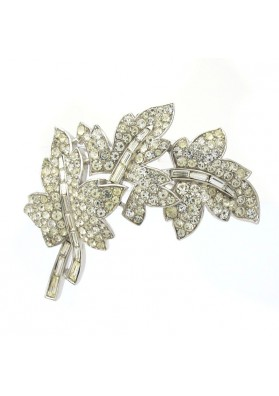 Vintage brooch THREE LEAVES TRIFARI