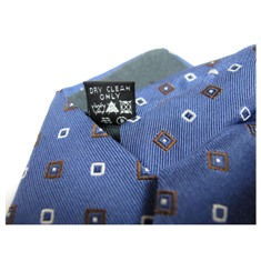 laundry symbols on tie tag
